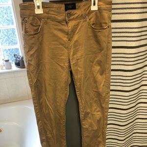 Tan/beige women's jeggings